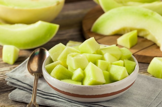 can dogs eat honeydew melon rind