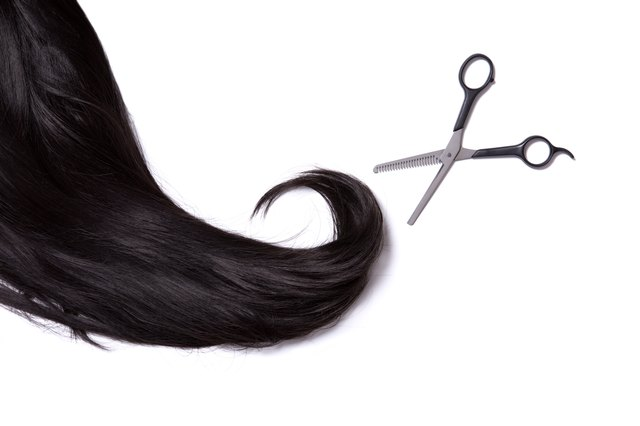 Long black shiny wig with professional scissors