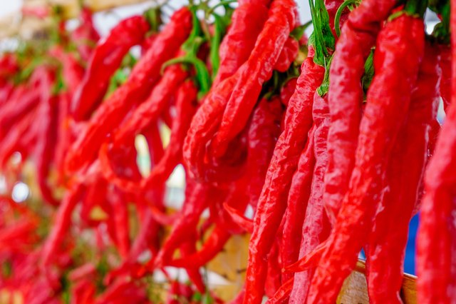 how to dry hot peppers with a string