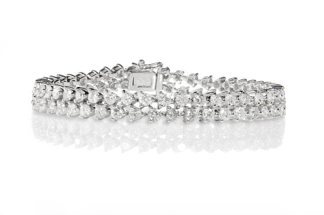 How to Clean a Diamond Tennis Bracelet