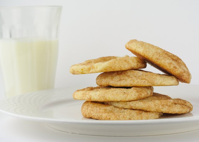 Snickerdoodle cookies with organic milk