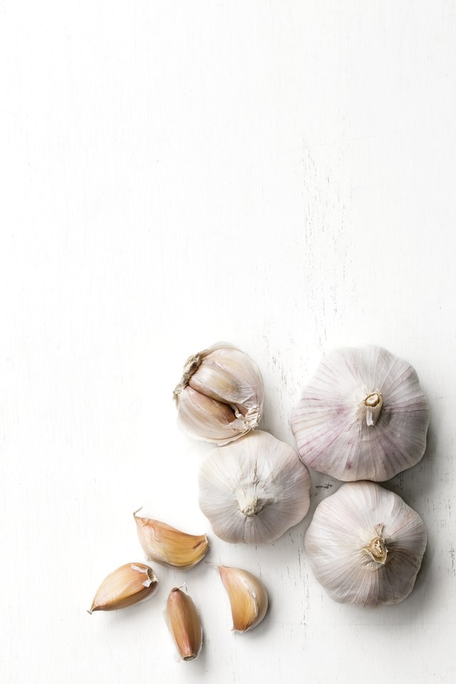 Use Garlic to Treat Coughs