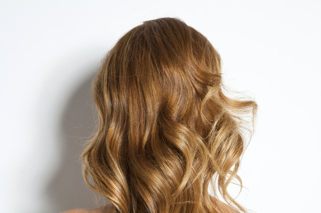 Curled synthetic hair extensions