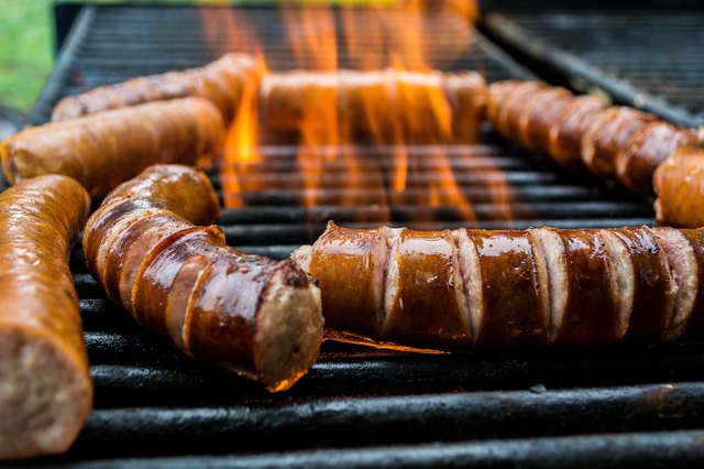 what is the difference between kielbasa smoked sausage leaftv