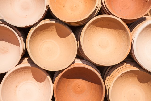 how to cook with terra cotta clay pots