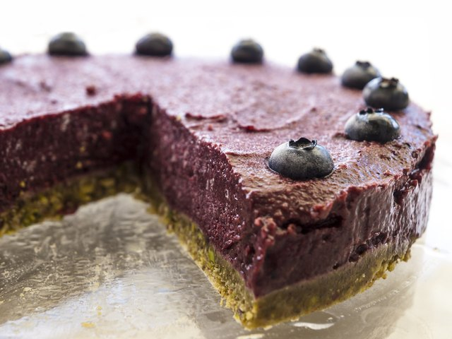 Raw vegan blueberry pistachio cake