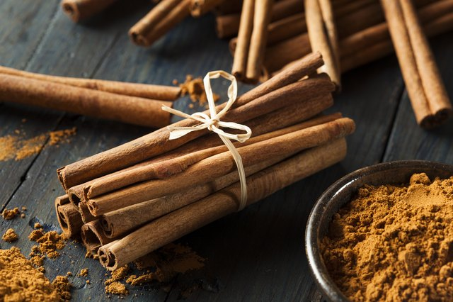 the differences between cinnamon bark essential oil and cinnamon leaf essential