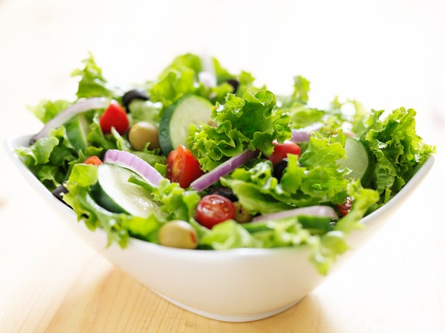 How To Make A Tasty Salad Without Dressing Leaftv
