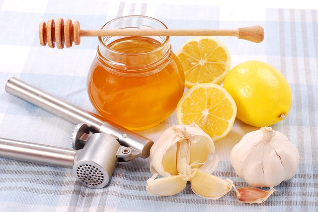honey with garlic and lemon