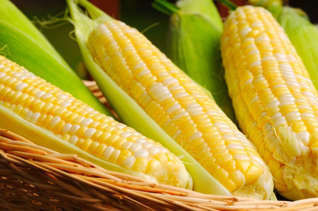 how to store corn on the cob with the husk