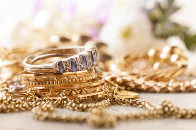 How To Identify Gold Jewelry From Italy