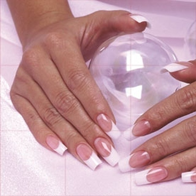 How to Apply Fiberglass Nails | LEAFtv