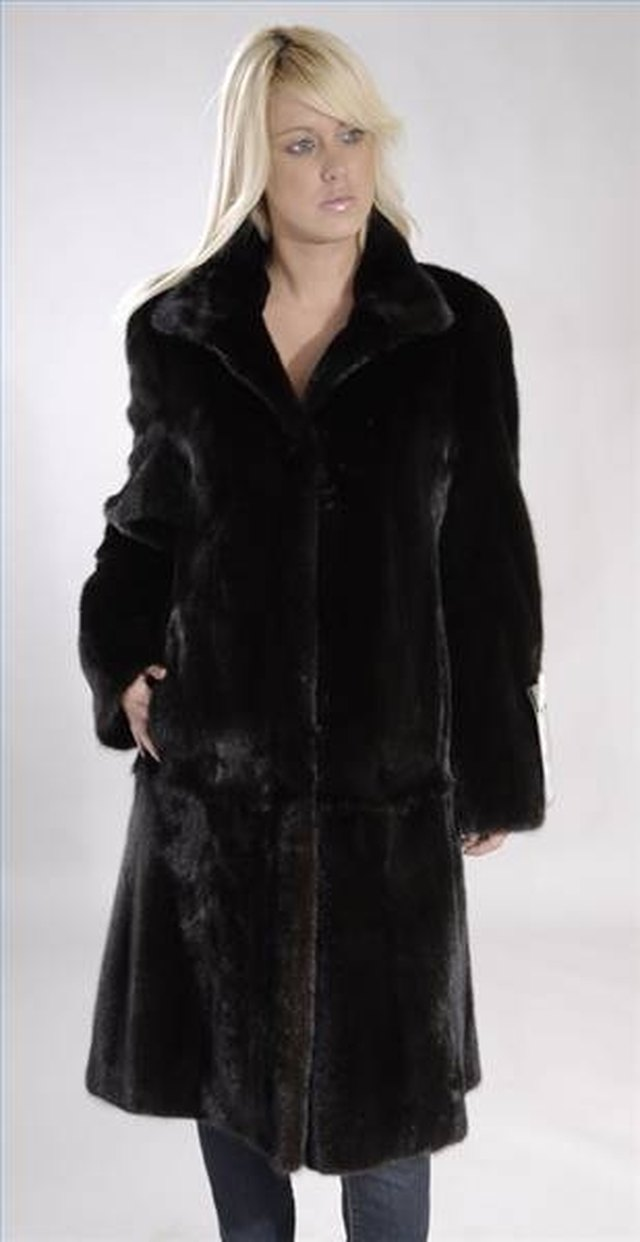How to Determine the Quality of a Mink Coat | LEAFtv