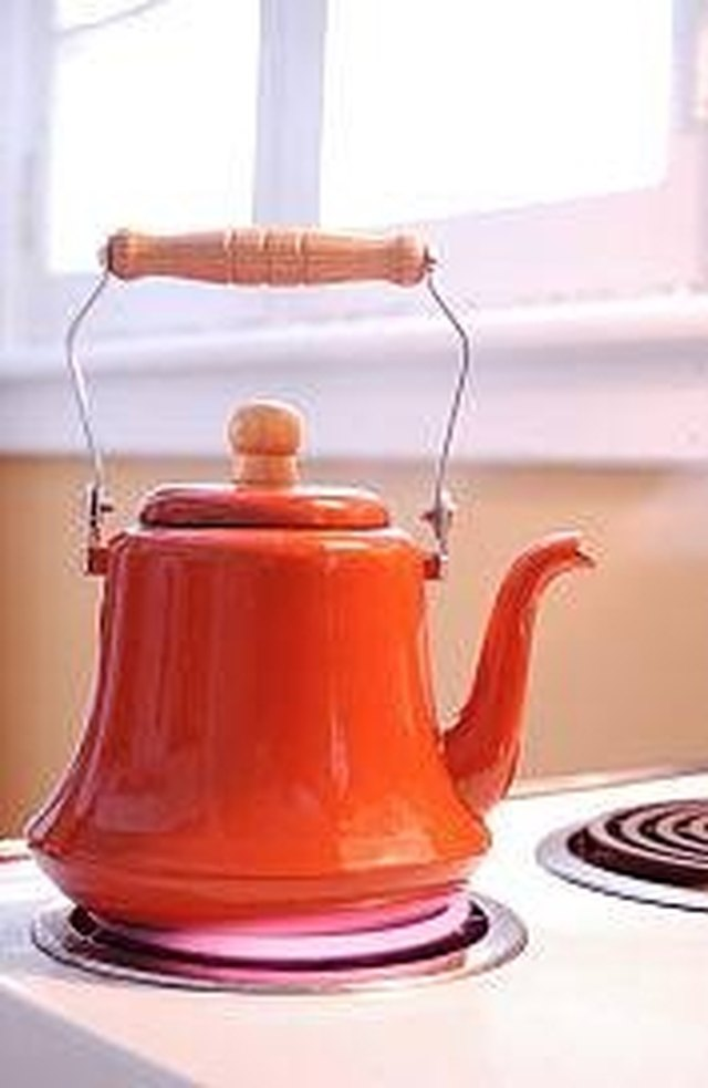 How to Clean Mineral Deposits From a Teakettle   LEAFtv