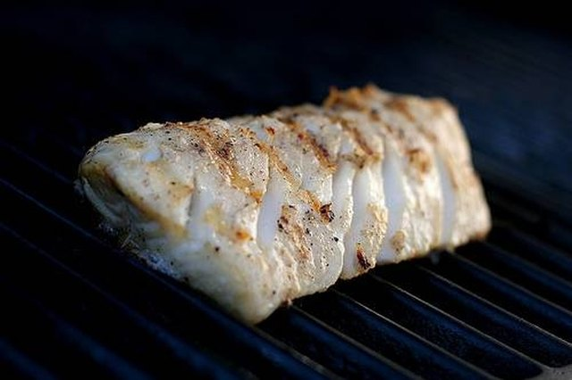 How to grill a cod fillet leaftv for How to grill fish in oven