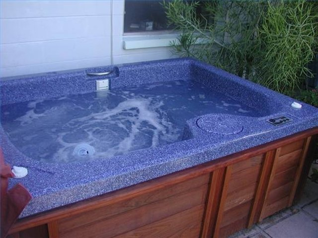 Organic Alternatives to Chemicals for Hot Tubs   LEAFtv