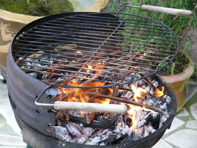 How to cook chicken on a charcoal grill leaftv video of the day ccuart Gallery