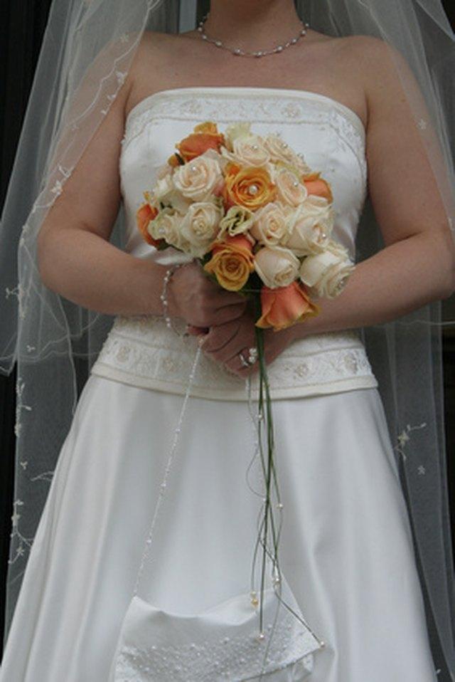 How to Make a Detachable-Train Wedding Dress | LEAFtv