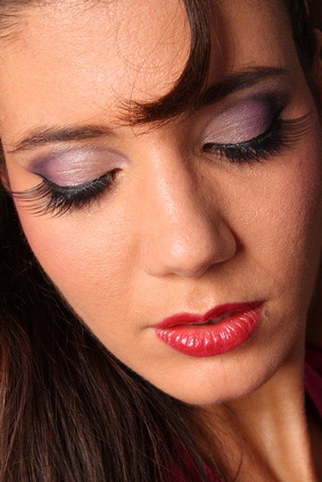 How To Reuse Fake Eyelashes Leaftv