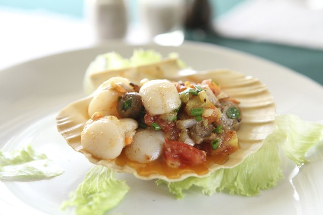 Scallop with butter seafood appetizer