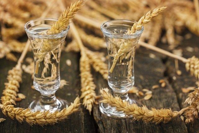 Schnapsgläser mit Korn