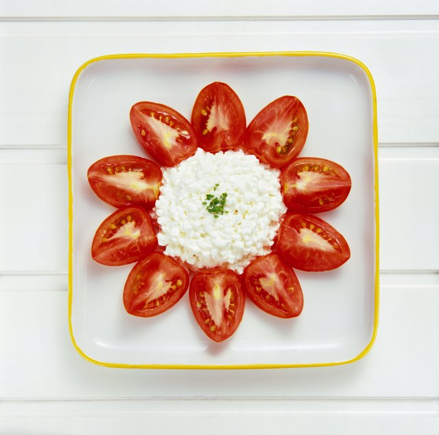 Plum tomatoes with cottage cheese