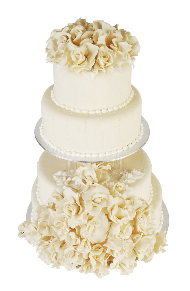 wedding cakes with icing not fondant the history of fondant cakes leaftv 26044