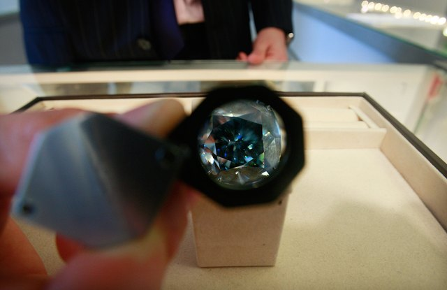 Sothebys Previews Rare Blue Diamond Ahead Of Sale