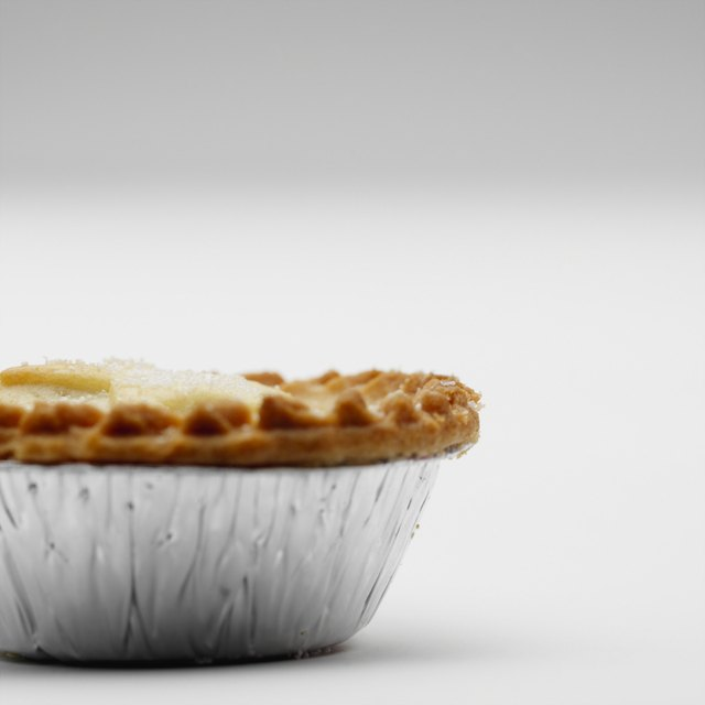 Side view of mince pie