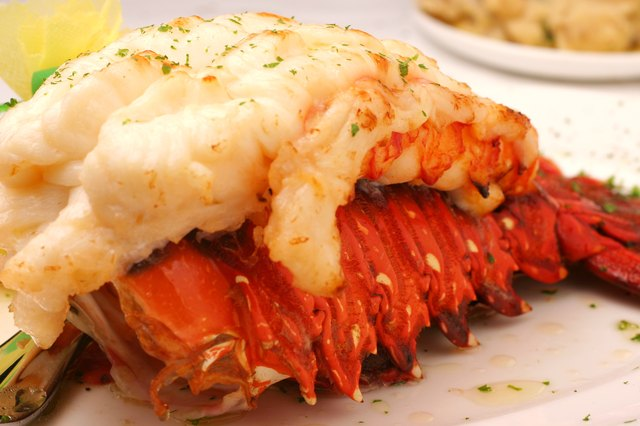 How to Eat Lobster Tails | LEAFtv