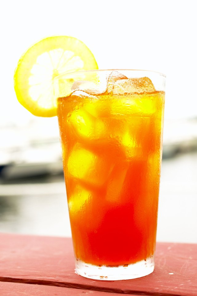 How To Brew Iced Tea In The Mr Coffee Iced Tea Maker Leaftv