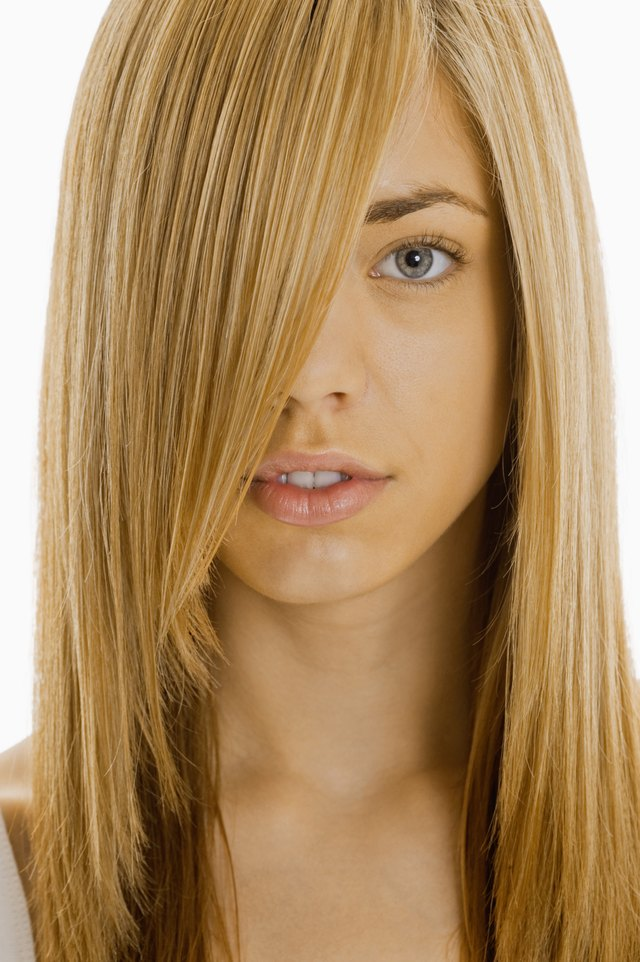 How to cut hair to an angle down the side of the face leaftv step 1 solutioingenieria Image collections