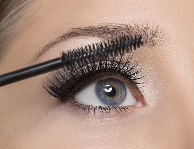 How To Get All The Mascara Off Your Eyelashes Leaftv
