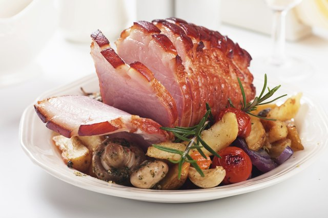 Roasted ham with vegetables