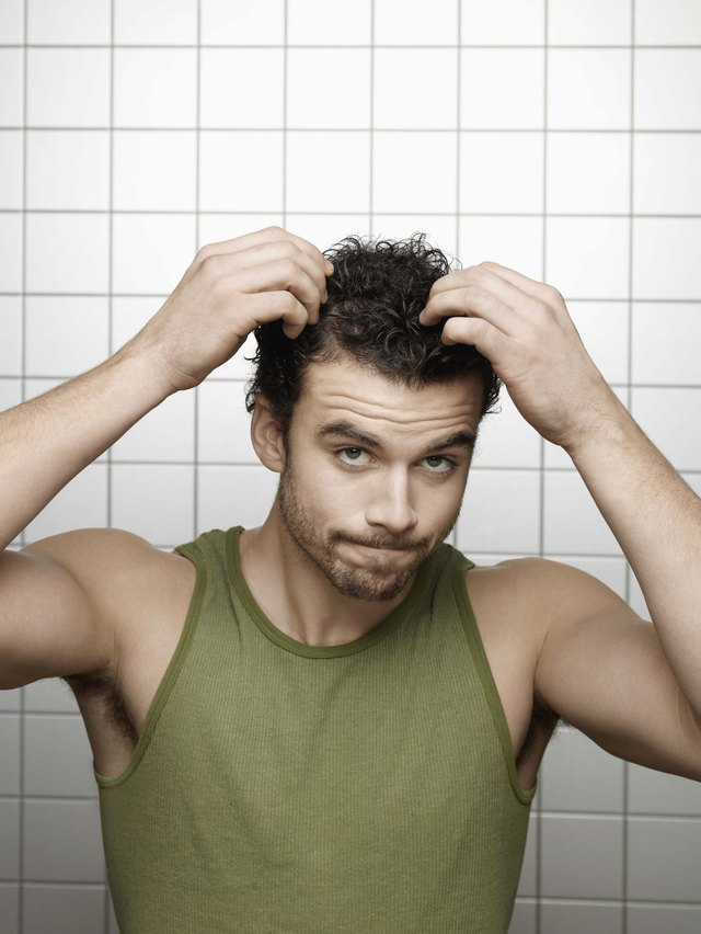 How guys get the messy bedhead hair look leaftv use your fingertips to style a bedhead look winobraniefo Choice Image