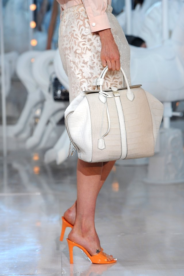 Louis Vuitton: Runway - Paris Fashion Week Spring / Summer 2012