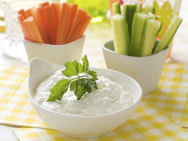 vegetables with dip