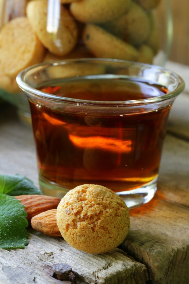 Dessert liqueur Amaretto with almond biscuits (amarittini)