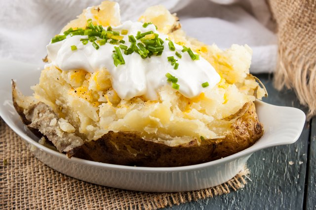 how to make a baked potato in the microwave oven