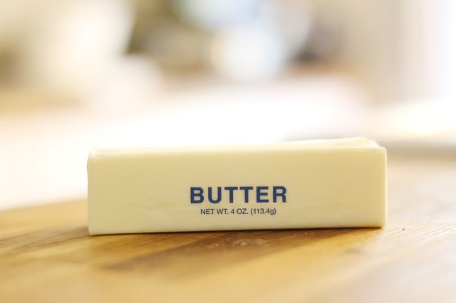 how to substitute butter for vegetable oil when baking a cake