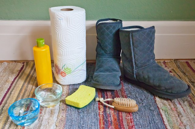 ... color on these beloved boots. Salt stains from snow and ice are a common culprit of Ugg discoloration. But don't stress, follow these simple steps to ...