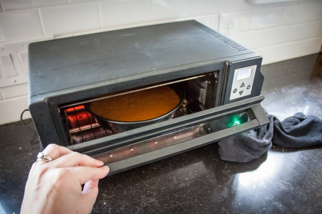 How To Bake A Cake In An Oven Toaster