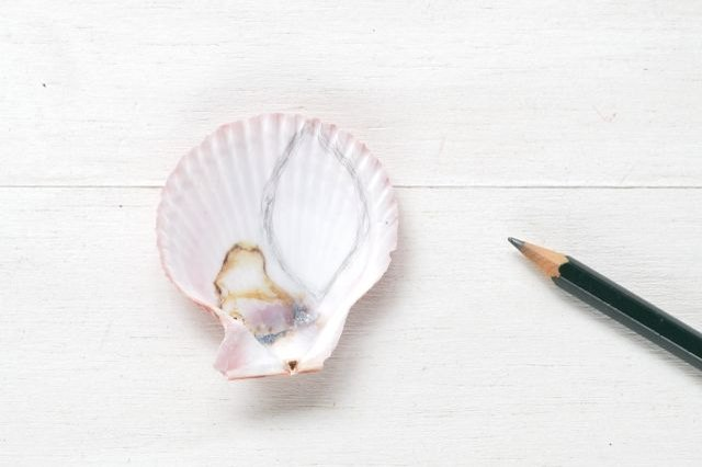 How to Carve Shell Material for Jewelry Making
