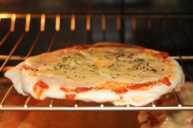 How To Use A Pampered Chef Pizza Stone Leaftv