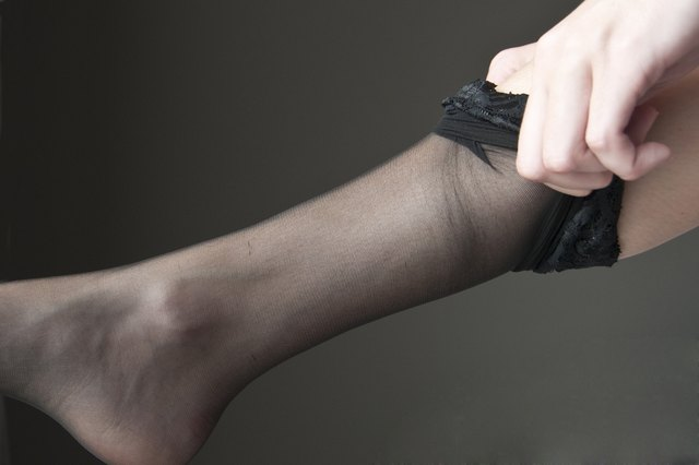 How to Choose The Right Pantyhose for Your Cocktail Dress ...