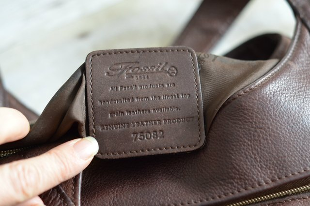 Check The Tag For Following Quality Statement On Leather Pieces Fossil All Products Are Handcrafted From Finest Top Grain Leathers