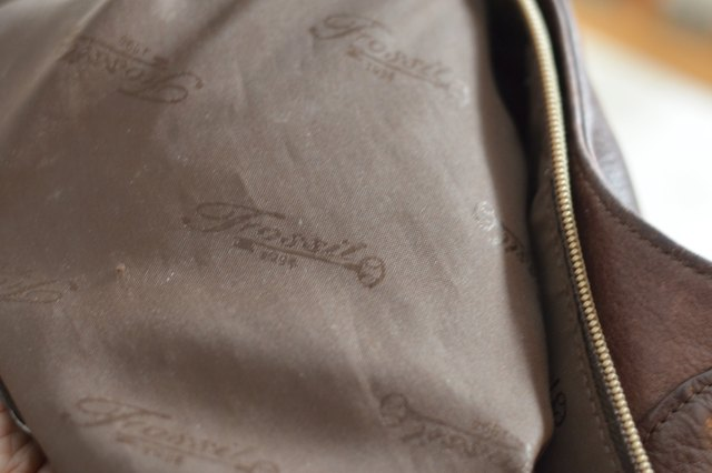 Look Inside The Bag And Examine Lining Most Fossil Bags Have A Blended With Slight Sheen Features Signature