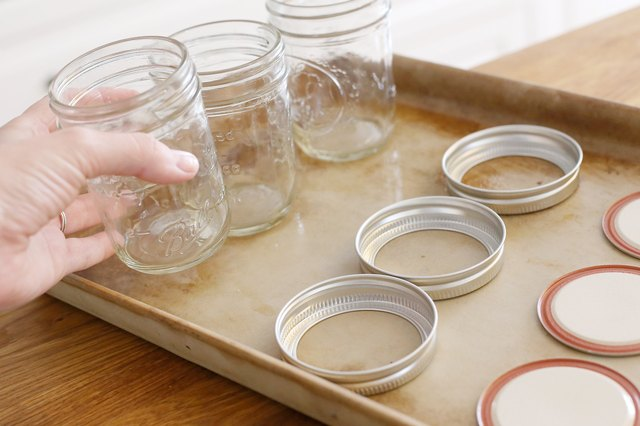 how to sterilize jars in the oven leaftv. Black Bedroom Furniture Sets. Home Design Ideas