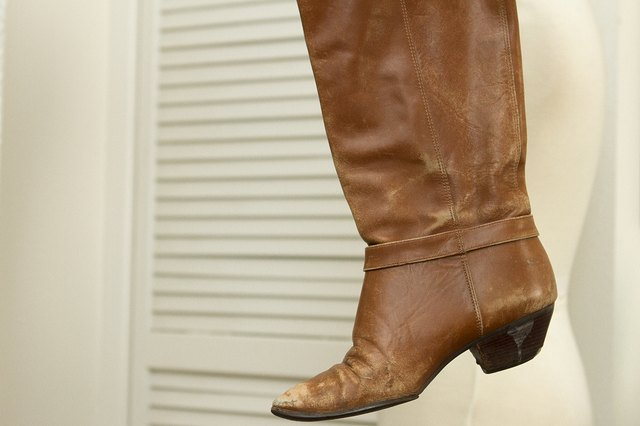 how to stretch the calves on leather boots leaftv